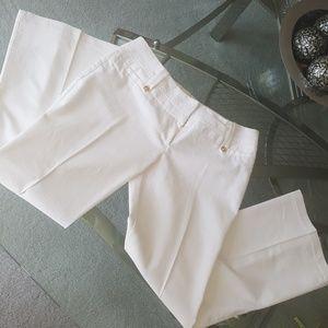 Studio y adorable White cotton pants. Size 11/12